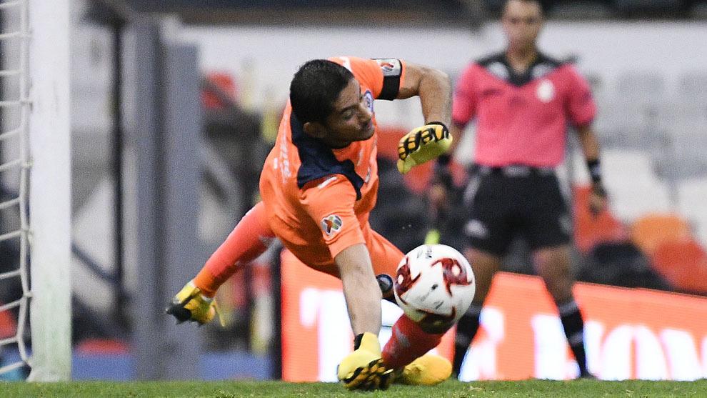 Jesús Corona detuvo un penalti de último minuto