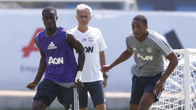 Mourinho, Bailly y Martial, en la pretemporada del United.