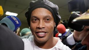 Ronaldinho quiso dar una gran cantidad de dinero para no entrar a la...