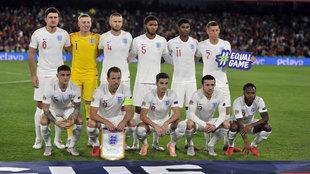 Imagen del once de Inglaterra que se enfrentó a España en la Liga de...