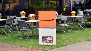 El 'hospitality' vacío de McLaren en Melbourne.