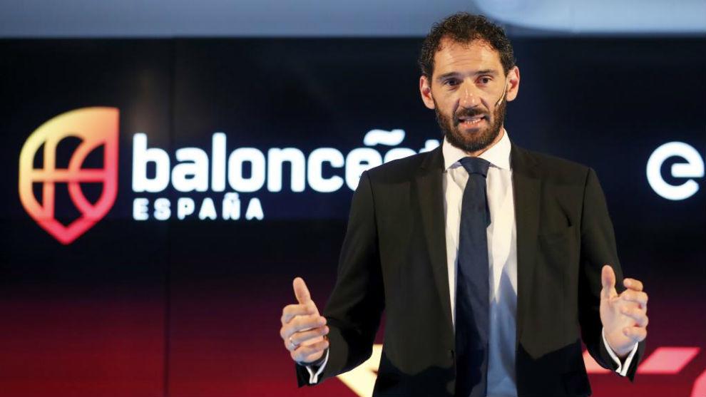 Jorge Garbajosa, presidente de la FEB, durante una intervención...
