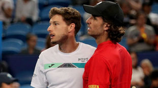 Feli al lado de Carreño, durante la ATP Cup