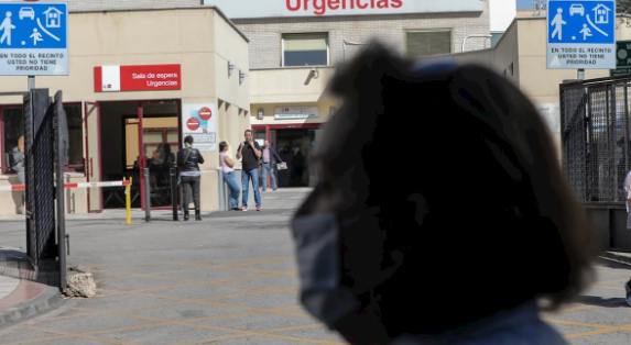 Una enfermera vasca, primera sanitaria de España que muere por...