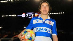 Ainize Barea 'Peke', jugadora del Deportivo, tas marcar...