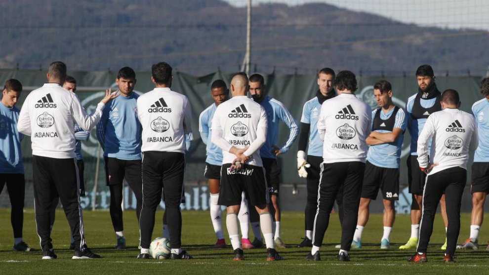 Los jugadores del Celta,, durante un entrenamiento en A Madroa.