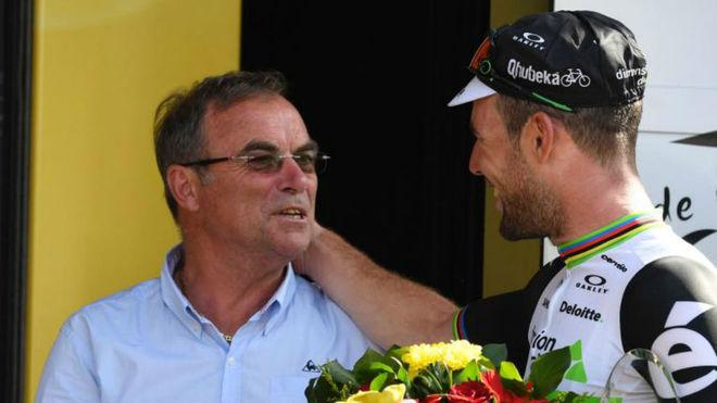 Bernard Hinault con Cavendish en el Tour 2016.