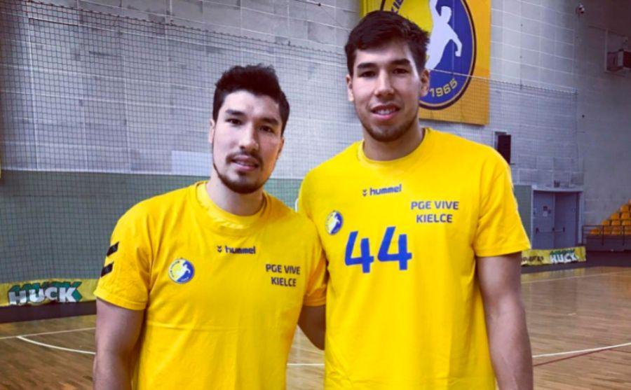 Alex y Dani Dujshebaev durante un reportaje para MARCA