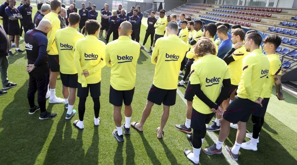 Barca kêu gọi các cầu thủ giảm lương cứu CLB