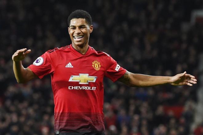 Rashford celebra un gol con e United.