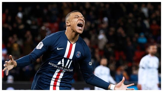 Mbappé celebra un gol con el PSG.