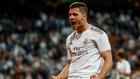 Jovic celebra el gol que marcó ante Osasuna en Pamplona.