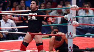 El Hijo del Perro Aguayo durante una función de Lucha Libre.