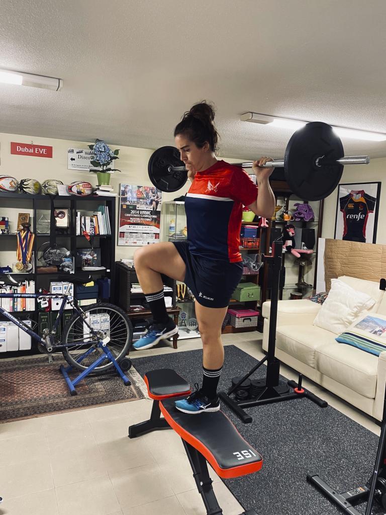Patricia García, entrenando en su casa.