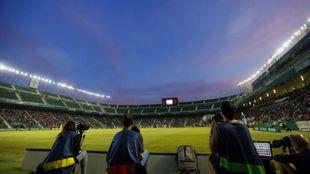 Panorámica interior del Martínez Valero durante un partido de esta...