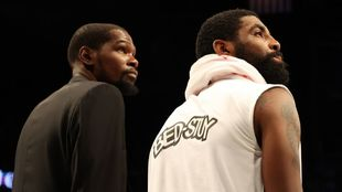 Kyrie Irving y Kevin Durant.