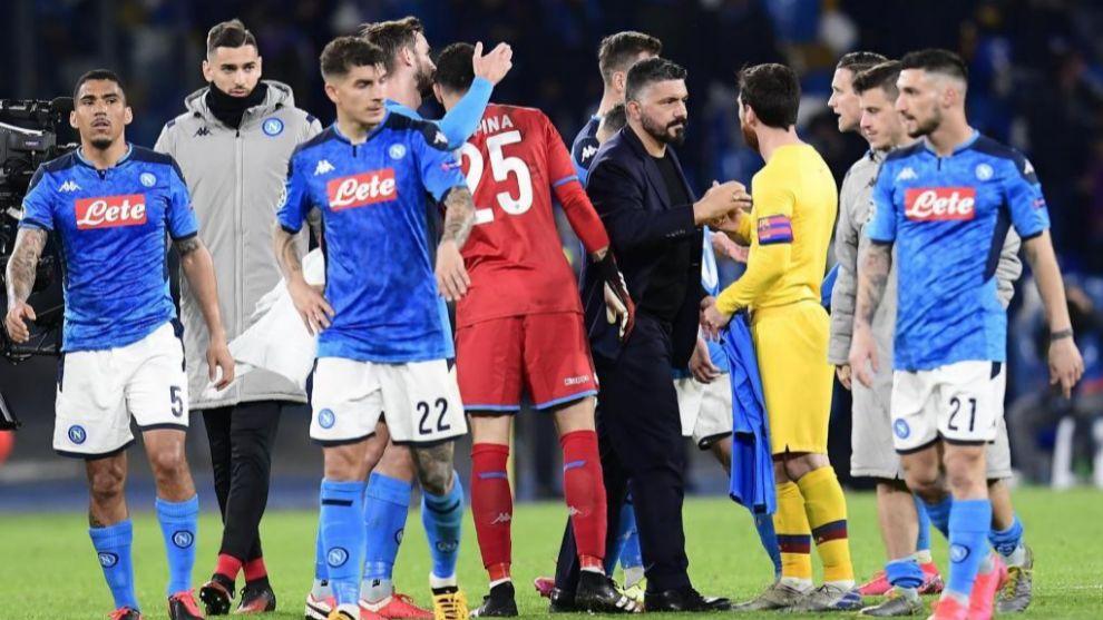 Gennaro Gattuso saluda a Messi tras el partido de Champions contra el...