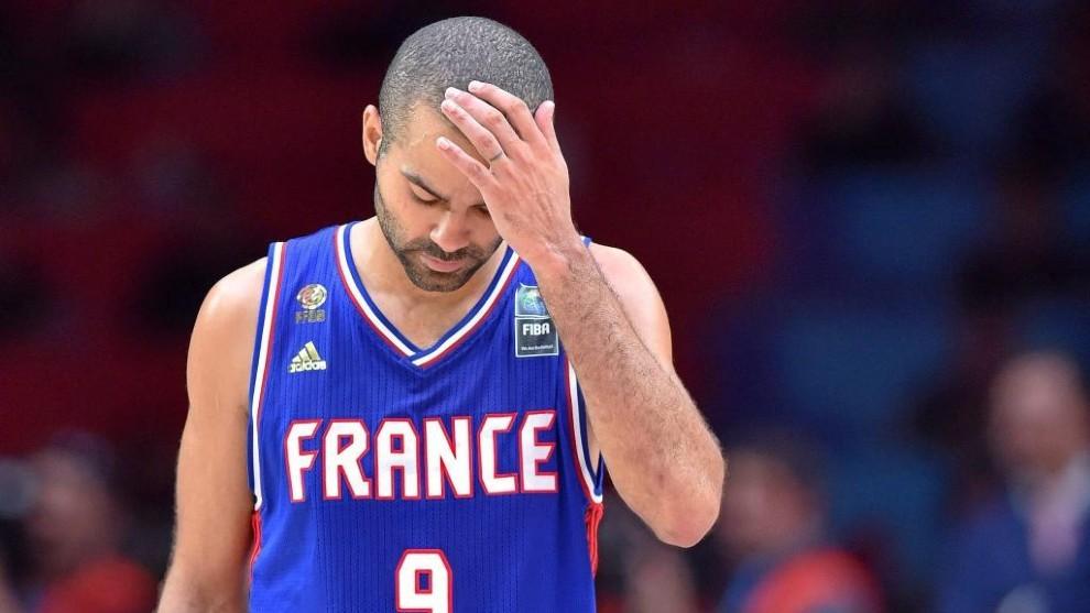 Parker se lamenta durante un partido entre Francia y España.