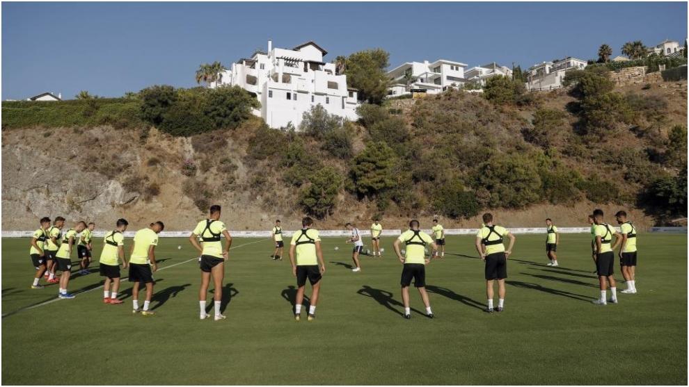 El Málaga, durante un entrenamiento.