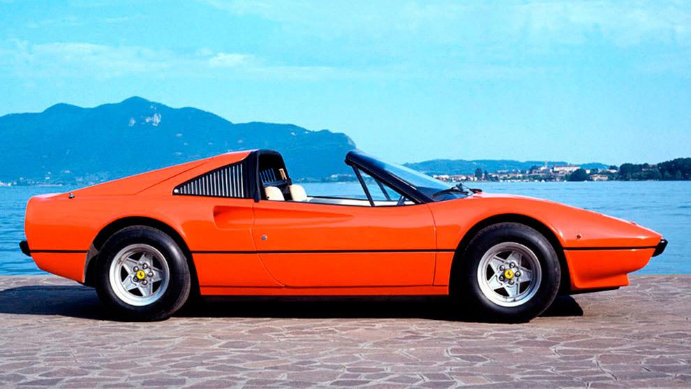 Los 308 equipaban en 1985 el mismo motor del Dino, con 255 CV.
