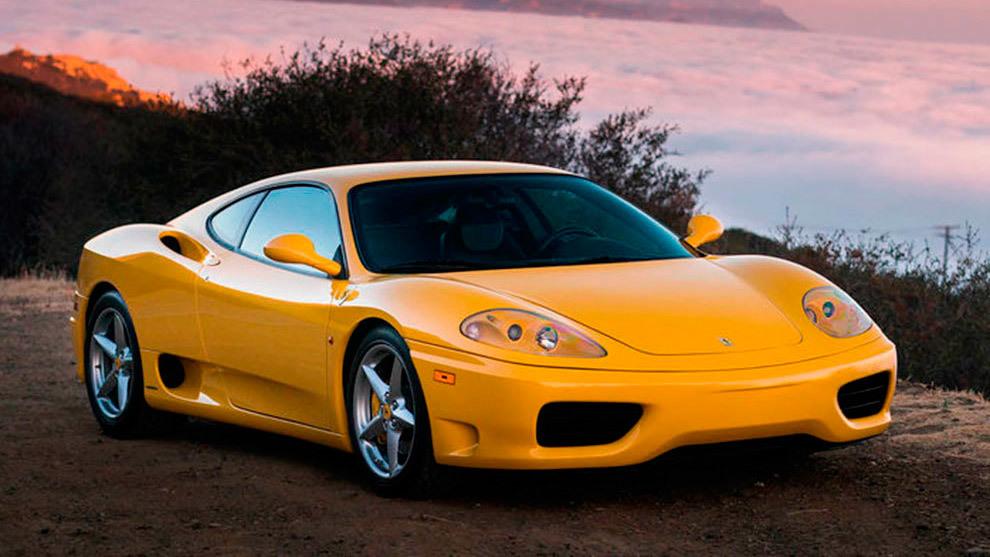 El F360 rozaba los 300 km/h y tenía un consumo promedio de 14 l/100 km.