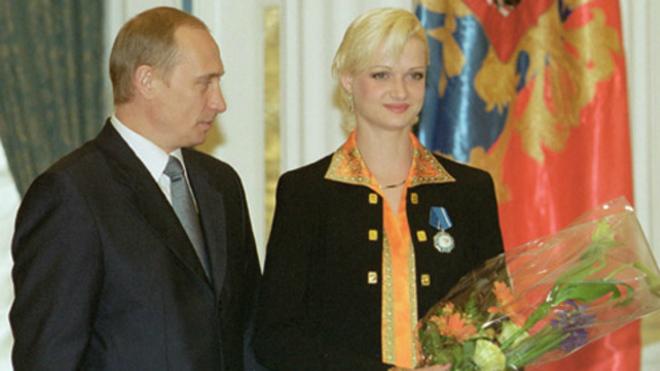 Svetlana Khórkina con Vladimir Putin en una imagen de archivo.