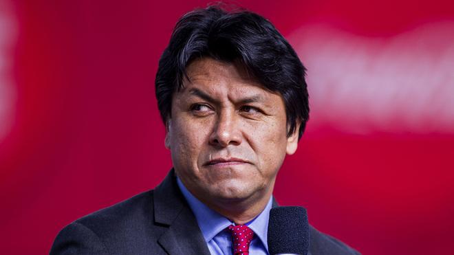 Claudio Suárez.