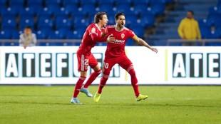 Javi Ros celebra su gol en Las Palmas.