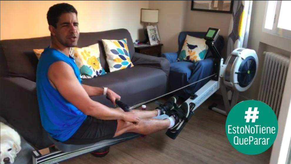 Enhamed Enhamed, entrenando en casa.