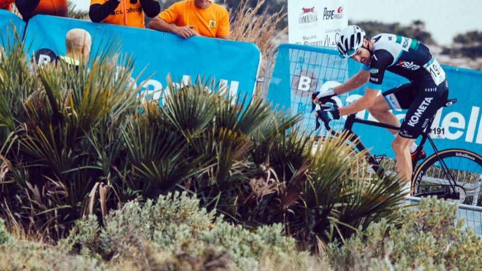 Martón Dina, durante una carrera.