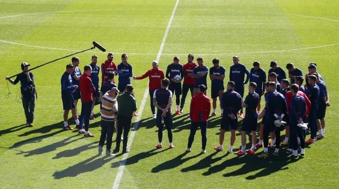 La plantilla del Levante en su último entrenamiento.