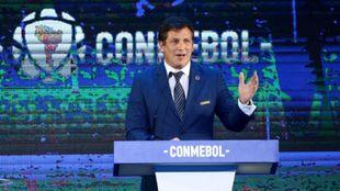 Alejandro Domínguez, presidente de la CONMEBOL, durante el sorteo de...