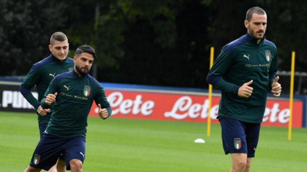 Verratti, Insigne y Bonucci entrenan en Coverciano antes de un partido...