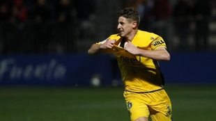 Óscar Arribas celebra un gol con el Alcorcón