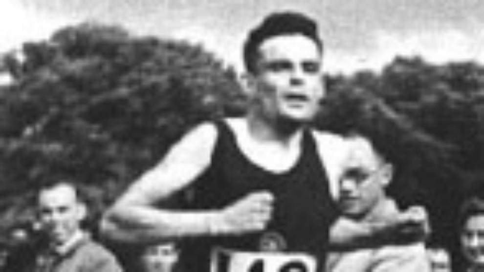 Alan Turing, en carrera, 1946