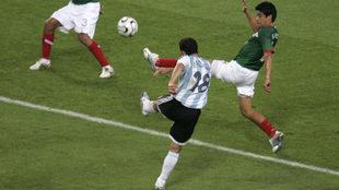 El zapatazo de Maxi con el que eliminó a México en Alemania 2006.