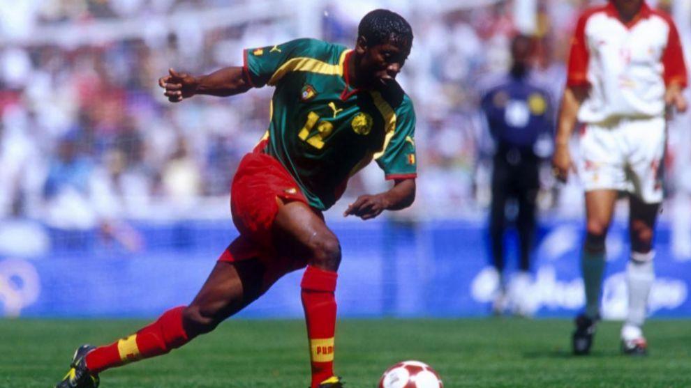 Lauren, en una imagen de archivo con Camerún en 2002.