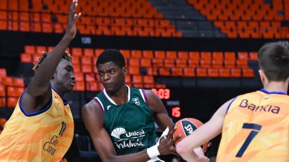 Nzosa, en una imagen de la Euroliga junior entre Unicaja y Gran...