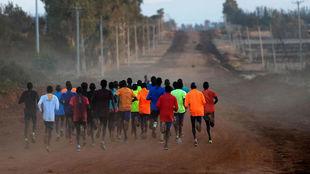 Atletas entrenando en Iten en imagen de archivo