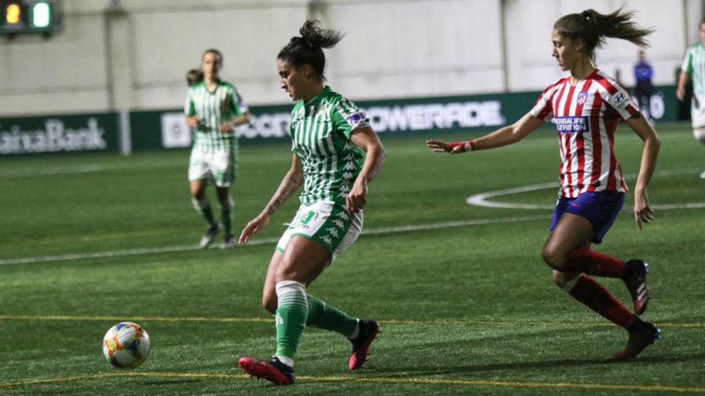 Martina Piemonte, en un partido con el Betis