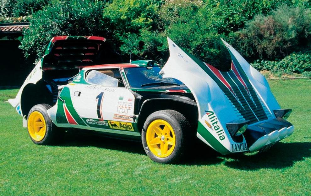 El motor iba en posición trasera transversal y era el mismo que montaba el Ferrari Dino.