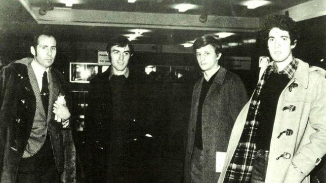 José Antonio Martínez Bayo es el segundo por la izquierda.