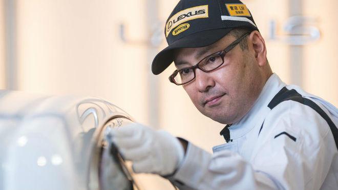 Katsuaki Suganuma, uno de los Takumi que trabaja en la planta de...