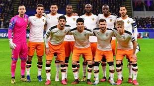 Once inicial del Valencia en Milán.
