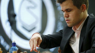 Carlsen, durante una partida