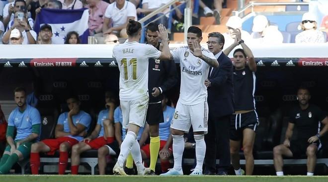 Gareth Bale and James against Granada.