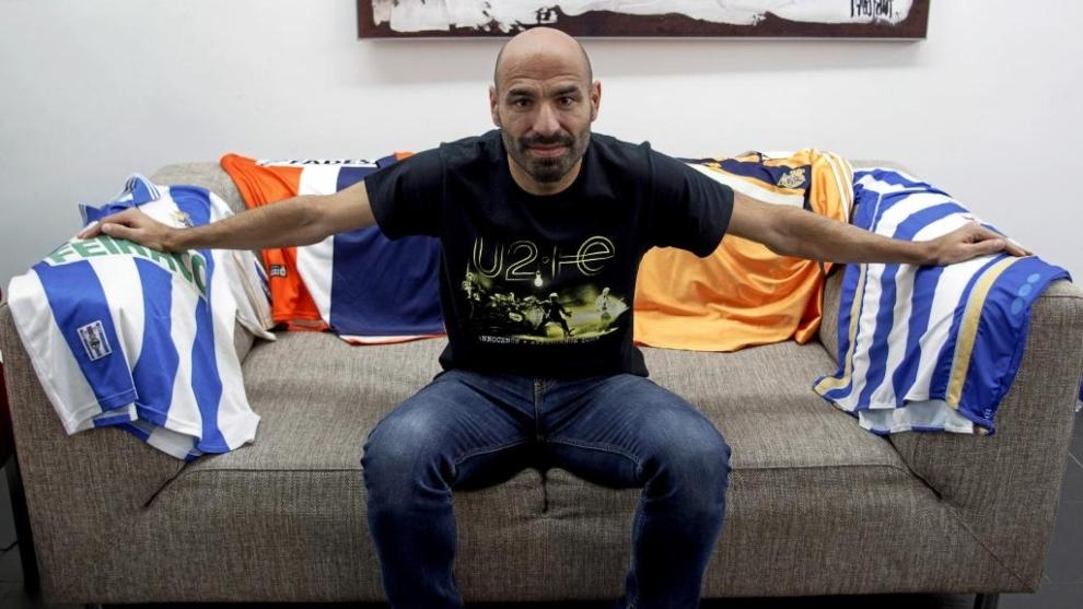 ;Manuel Pablo posa para MARCA con diversas camisetas
