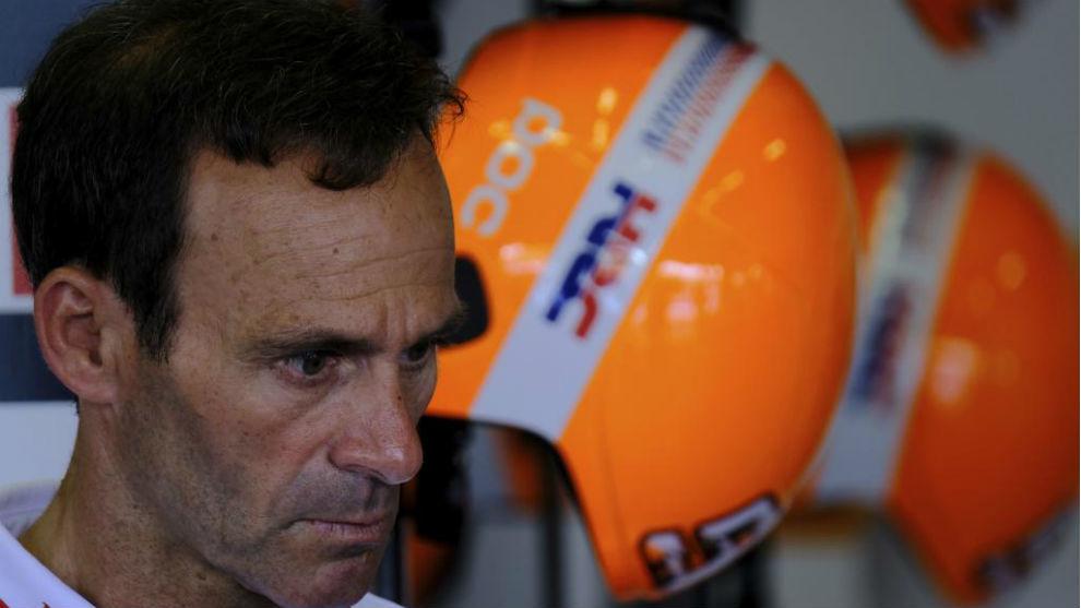 Alberto Puig, en el box de Honda.