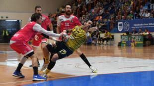 Un partido del Cangas durante la pasada campaña.