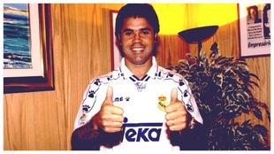 Carlos Secretario, cuando fichó por el Real Madrid.